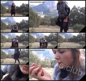 [ExtremeScatSex com] Pooping Outdoor – 2