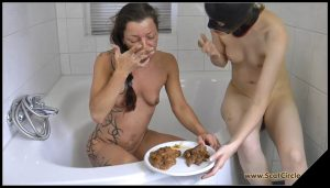 [ScatCircle com] Bathroom Fun [Scat, Pissing, Lesbian] 1