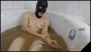[ScatCircle com] Bathroom Fun [Scat, Pissing, Lesbian] 5