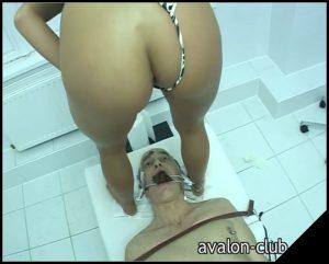[Avalon-Club de] Lady Kate – The Dentist Teil 2 [ Scat, Piss, Spitting, Femdom, Latex, Toilet Slavery, Smoking, Fisting]