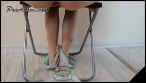 [ScatShop com – YezzClips com] PooAlina Young girl pooping 01   [ Scat, Piss, Teen, Smoking]