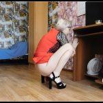 Sexy poop in sandals - KatyaKASS [new Poop Videos, defecation, shit, kaviar scat]