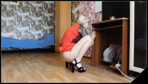 Sexy poop in sandals – KatyaKASS [new Poop Videos, defecation, shit, kaviar scat]