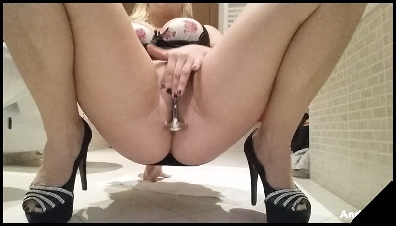 Damn This Slut Fetish Extreme - GoddessLolita [ Scat, Smearing, Pee]