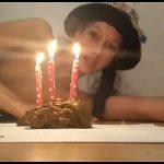 KV-GIRL - I shit a birthday cake