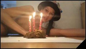 KV-GIRL – I shit a birthday cake