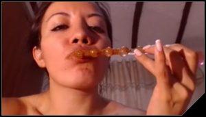 Super Beautiful Latin CamGirl Scat Show 1
