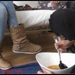 Brown Peeing-Ladies - Learn To Eat Puke Slave