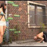 Brown Peeing-Ladies – Scat Ladies Rachel First Shit