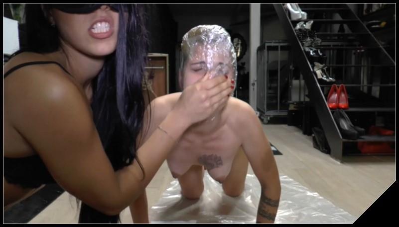 Italian mistress using her female toilet slave 4
