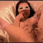 Hightide – Regina Bella – Private Clips – Volume 1[Scat, shit,defecation,eat shit,smearing,masturbation,pissing, vomiting]