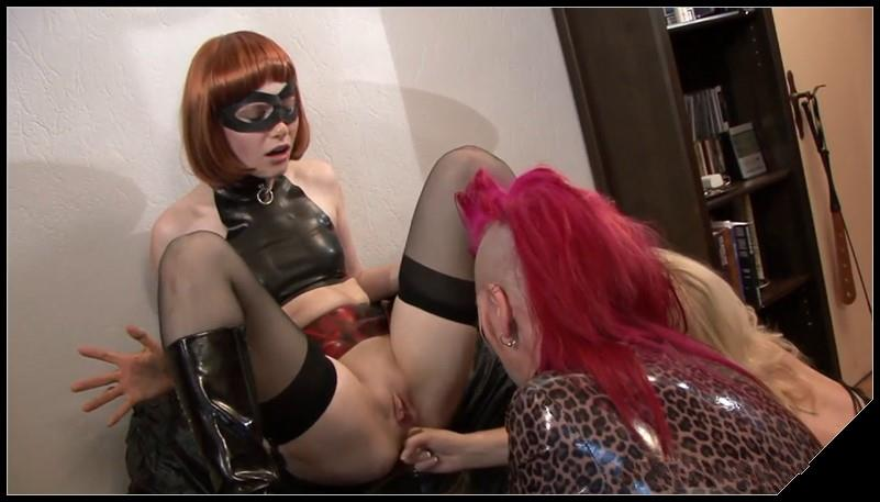 Hightide-Video - Little Scat Riding Hood - Mia, Pantygirl and Kelly