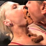 Lesbian Scat Fisting Game [Scat Lesbians, shit,defecation,pissing,smearing,toilet slavery,masturbation,lick ass,eat shit]