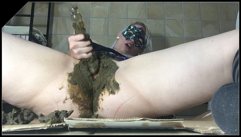 ChubbiBunni - Ass Stuffing Pussy Smear [Scat, shit, defecation,  smearing,  dildo masturbation]