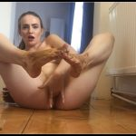 Dianaspark - Shit - Feet Fetish [Scat solo, shit, defecation, Pissing, Fisting,  Smearing, Masturbation]