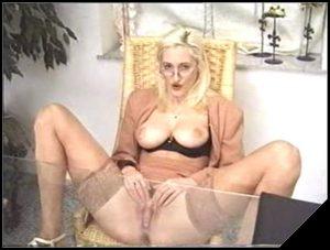 Office Lady [Scat, shit, pissing,  Masturbation]