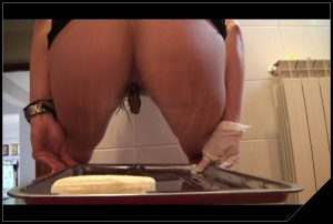 Teasing, farting, caviar by Mistress Antonella [Scat solo, shit, defecation, Pissing, Masturbation]