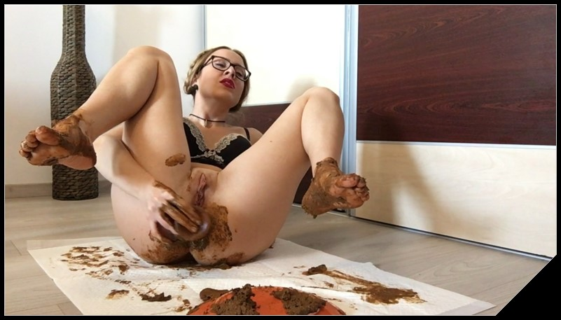 Worship my Dirty Ass and Feet - EllaGilbert [Scat solo, shit, defecation, Masturbation, Dildo masturbation,Smearing]