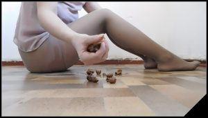 Poop from ass [Scat solo, shit, defecation,  Dirty Pantyhose,Piss]