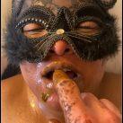 Yuna Silva guzzles big mouthfuls of warm piss and eats a small turd [Scat sex,  shit,Smearing,Blowjob, Handjob, Pissing,Drink pee,Licking, shit eating]