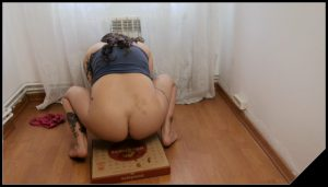 Badkithy – Poop and Pizza [Scat solo, shit, defecation, Pissing, Big Shit,Shitty Ass, Masturbation]